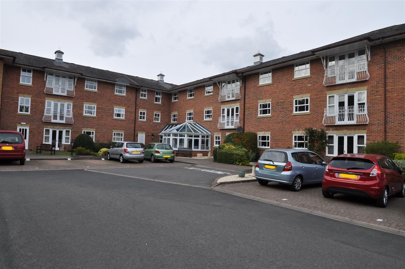 2 Bedrooms Retirement Property for sale in Worcester Road, Droitwich